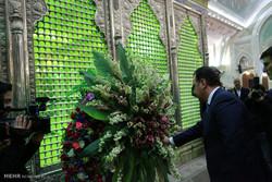 آرمینیا کے وزیر دفاع کی حضرت امام خمینی (رہ) کے مزار پر حاضری