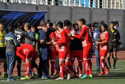 دیدار تیم های فوتبال گل گهر سیرجان و نساجی مازندران