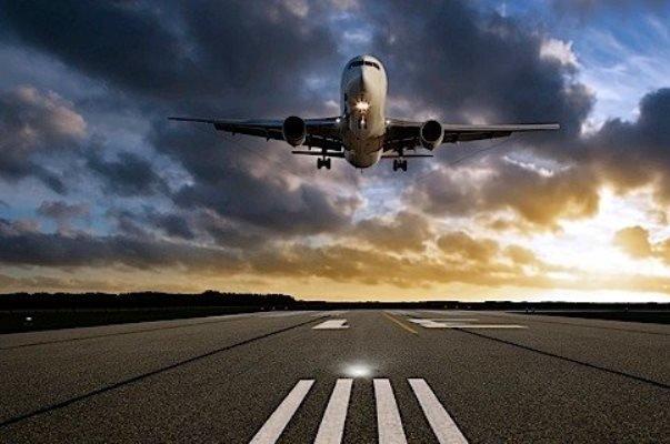 جزئیات حادثه در فرودگاه رشتچرخ هواپیما شکست