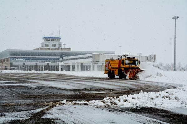 برف روبی باند فرودگاه اردبیل