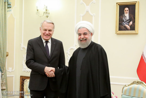 Rouhani meets with French FM