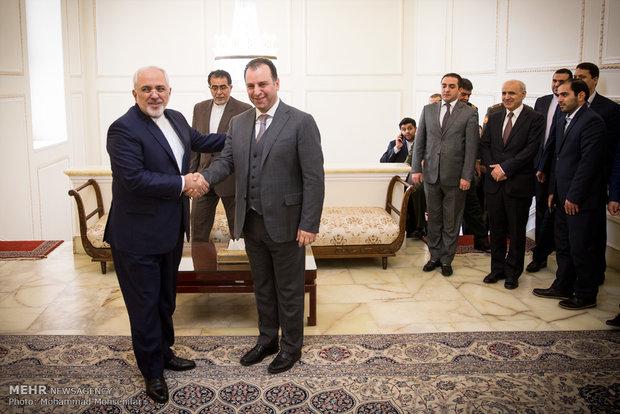 Zarif meets Armenian def. minister