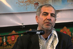 جوانان با بصیرت امروز نیز برای دفاع از انقلاب اسلامی ایستاده اند