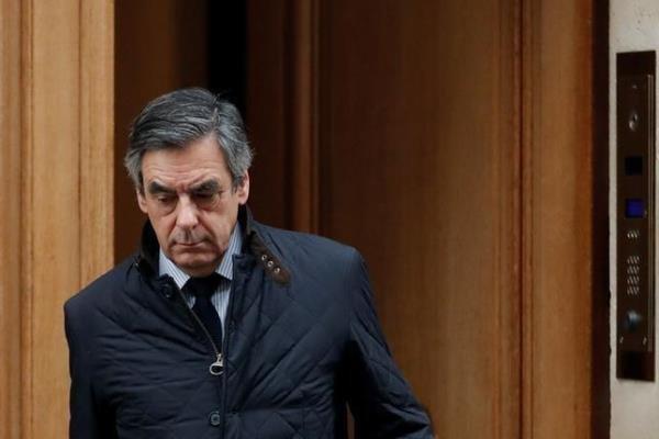 حضور فیون در شعبه ۱۷ اخذ رای پاریس