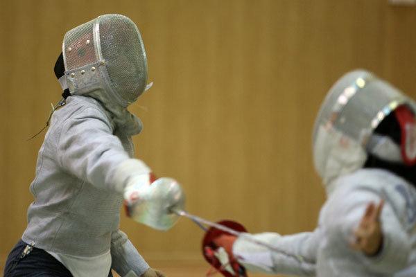 دانشگاه آزاد قهرمان نیم فصل لیگ شمشیربازی بانوان شد