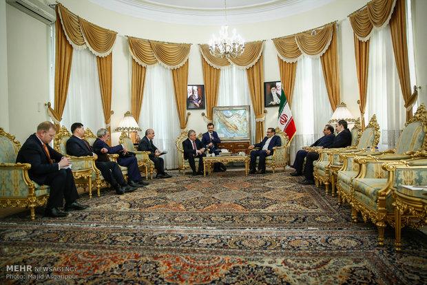 Shamkhani receives Putin's special envoy