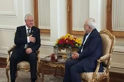 ظريف يستقبل رئيس المجلس الوطني لبيلاروسيا