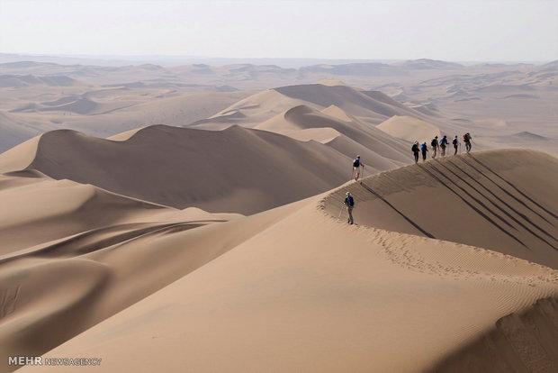 امکانات مورد نیاز گردشگران در کمپهای کویرنوردی مهیا شود