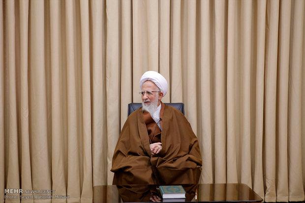 دیدار علی اکبر صالحی رئیس سازمان انرژی اتمی با علما و مراجع قم / آیت الله جوادی آملی