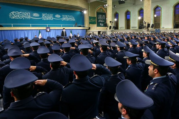 Commanders of Army Air Forces met with Ayatollah Khamenei