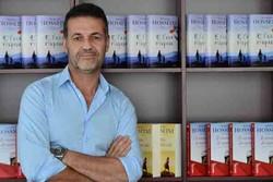 حاشیههای خالد حسینی در ایران/ کتابفروشی به سبک انگلیسی