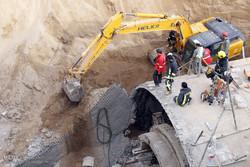 فیلم/ عملیات نجات مصدومان حادثه ریزش مترو در قم