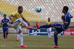 تیم صدر جدولی لیگ دسته یک فوتبال مقابل آلومینیوم اراک متوقف شد
