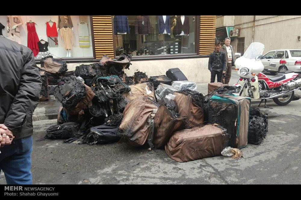 آتش سوزی در انبار کیف خیابان لالهزار