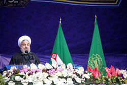 روحاني: الثورة الإسلامية حررت ايران من التبعية للأجنبي