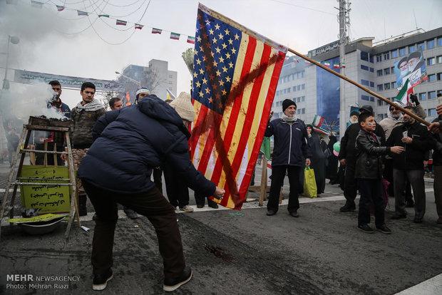 راهپیمایی ضد آمریکایی مردم در تهران و سراسر کشور برگزار می شود