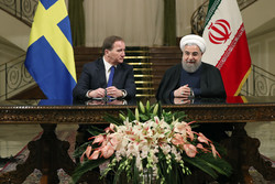 Rouhani hails Sweden for moderate positions on JCPOA