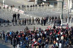 """الصدر يدعو المتظاهرين إلى """"الانسحاب التكتيكي"""" ويتوعد بـ""""رد أقوى"""""""