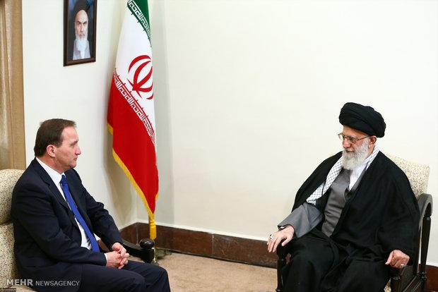 رئيس الوزراء السويدي يلتقي قائد الثورة الاسلامية