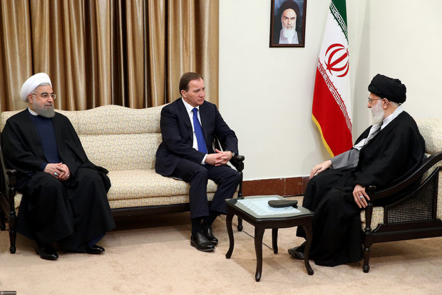 Swedish PM meets Ayatollah Khamenei