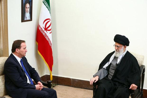 Swedish PM meets Ayatollah Khamenei