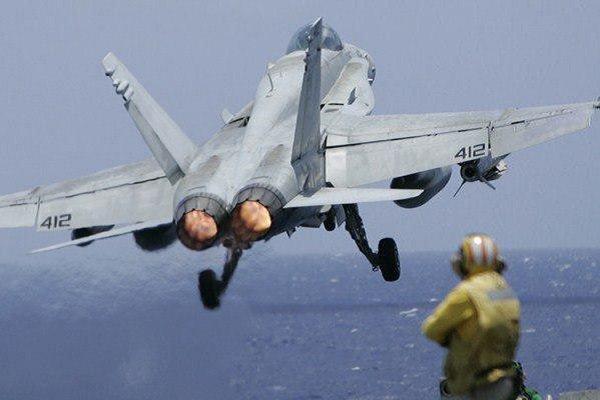 امریکی فضائیہ کا لڑاکا طیارہ گرکر تباہ/ پائلٹ محفوظ