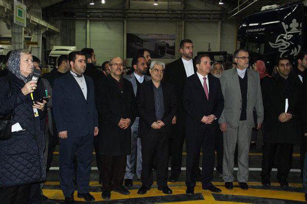 نخست وزیر سوئد از یک کارخانه تولید خودرو در قزوین بازدید کرد