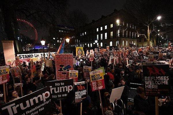 بزرگترین تظاهرات اعتراضی تاریخ انگلیس در هنگام ورود ترامپ