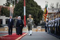 بدرقه رسمی رئیس جمهور در سفر به عمان