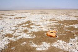 شوره زارهای روان کویر قم/دریاچههایی با طعم نمک