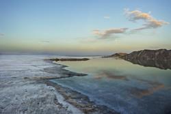 بلور های هشت ضلعی مسحور کننده در دریاچه ای از زیبایی ها