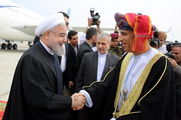 استقبال السلطان قابوس للرئيس روحاني