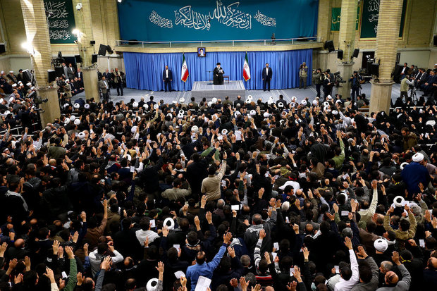 People of East Azerbaijan province met with Leader