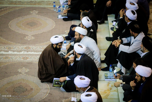 Ayetullah Haşimi'nin anma töreninden kareler