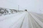 هلال احمرسمنان به ۲۴۰ مسافر گرفتار برف امدادرسانی کرد