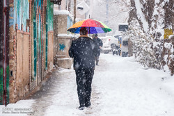Heavy snowfall in Urmia