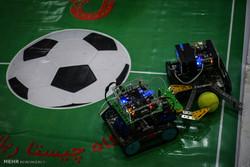 آغاز رقابت ۱۶۱ تیم در مسابقات رباتیک دانشگاه امیرکبیر