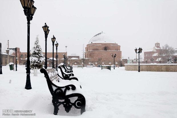Urmiye'de yoğun kar yağışı