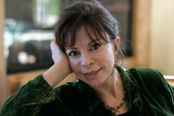 بنیاد ملی کتاب آمریکا به ایزابل آلنده جایزه میدهد