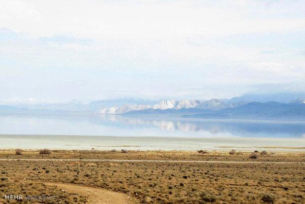 دریاچه بختگان