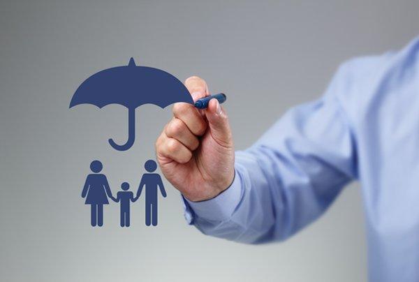 چتر بیمه سلامت آب میرود/ حذف بیمه رایگان ۲۰درصد افراد تحتپوشش