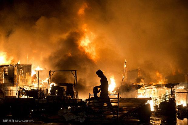 آتش سوزی مرگبار در خیابان سمنگان/مرگ پیرمرد۸۰ ساله درمیان شعلهها