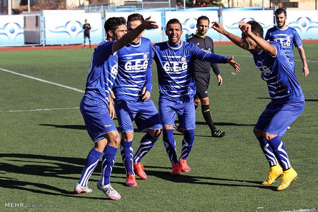 دیدار تیم های فوتبال گل گهر سیرجان و  فجر شهید سپاسی شیراز
