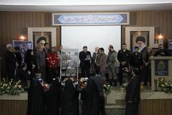 رونمایی از کتاب پناهگاه بی پناه در کرمانشاه