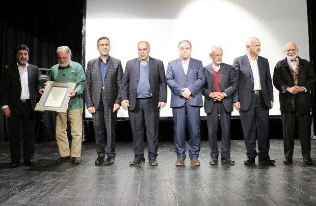 سالن استاد بخشی زاده در شیراز افتتاح شد/مدیران با هنر آشتی کنند