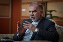 اصفهان باید دست استان های دیگر را هم بگیرد