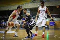 رویارویی شهرداری اراک و شیمیدر تهران در لیگ برتر بسکتبال
