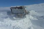 برفروبی در روستاهای اردبیل ادامه دارد/ ارتفاع برف به ۵ متر رسید