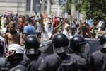 فلم/کیلیفورنیا میں امریکی صدر کے حامیوں اور مخالفین میں شدید جھڑپیں
