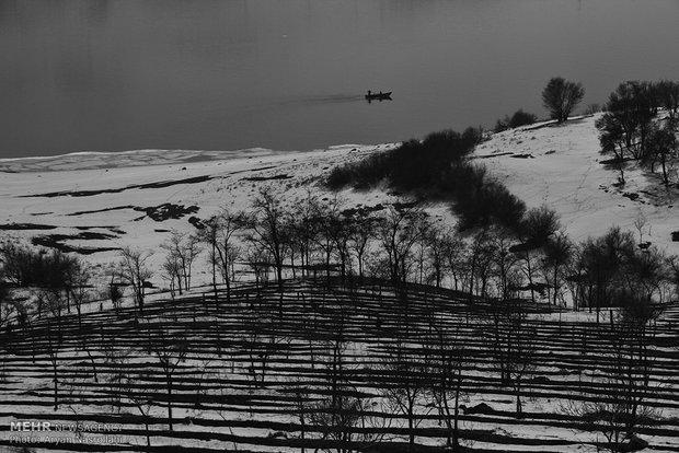 Mahabad Dam frozen in winter